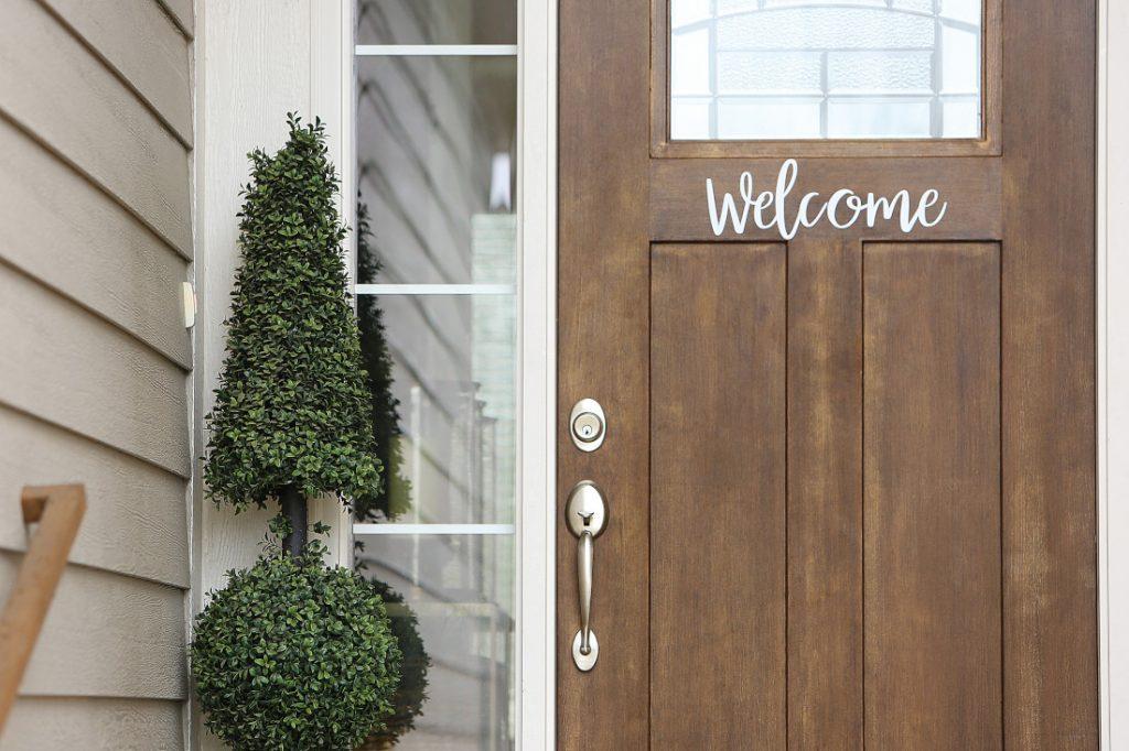 21st Mortgage Illustration front door