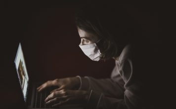 mask computer residents ailing from covid