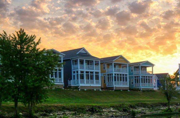 Heritage Harbor Sunset Illinois Community